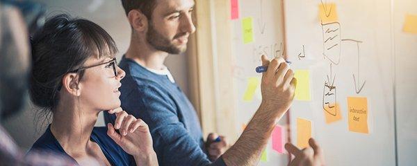 Planung am Whiteboard - Marketing-Operations