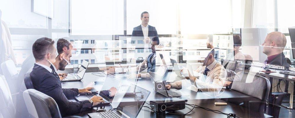 Menschen im Büro - Lead Management