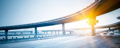 Gegenlicht auf der Autobahn